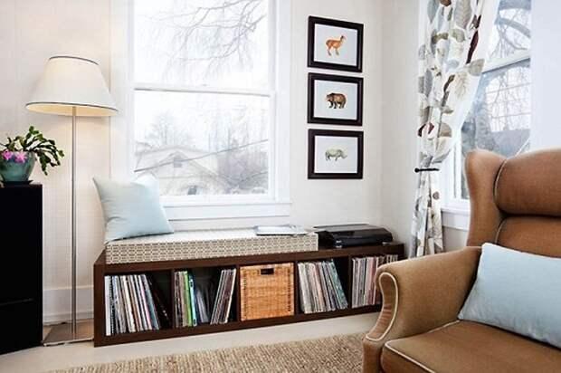 Место для хранения виниловых пластинок, которое дополнит общий интерьер комнаты.