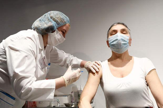 «Вектор» проверяет эффективность третьего укола вакцины от коронавируса