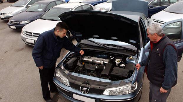 Не дать себя обмануть: 5 грубых ошибок при покупке подержанного автомобиля