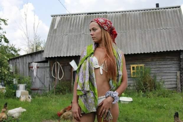 Помидорные королевы, или прекрасные дачные виды дача, дачница, девушки, деревня, колхозница, юмор