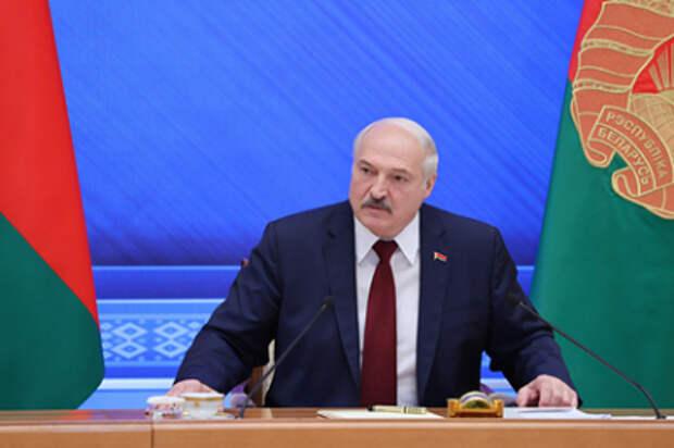 «Открывается новый фронт». Лукашенко рассказал о договорённости с Путиным относительно того, что творится на Украине