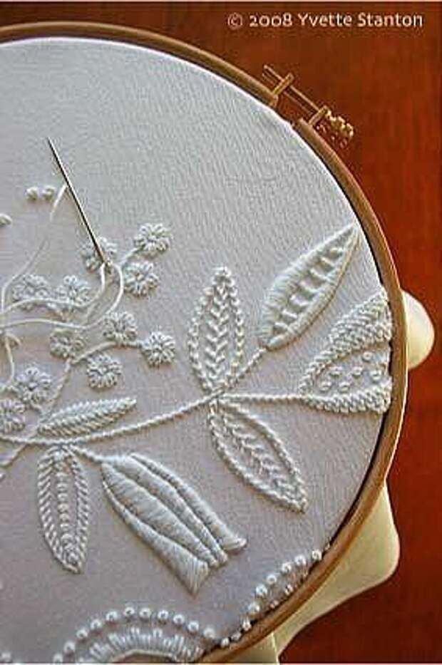 Ну очень красиво!Белым по белому: вышивка в стиле Mountmellick!