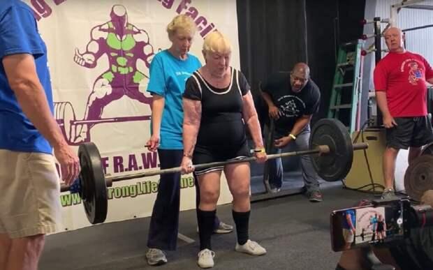 100-летняя-тяжелоатлетка-рекорд-1024x640 Самой старшей в мире тяжелоатлетке-рекордсменке исполняется 100 лет