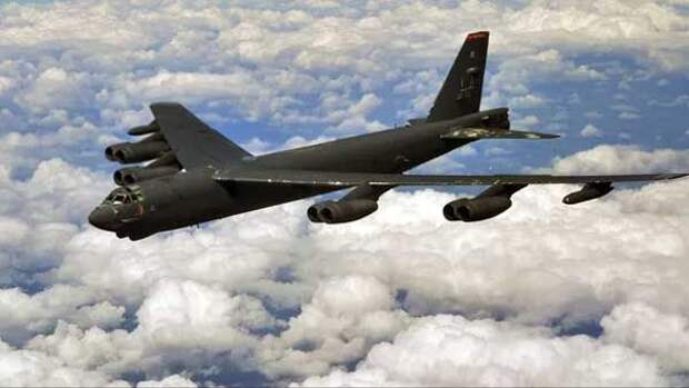 В небе над Украиной вновь появились стратегические бомбардировщики США