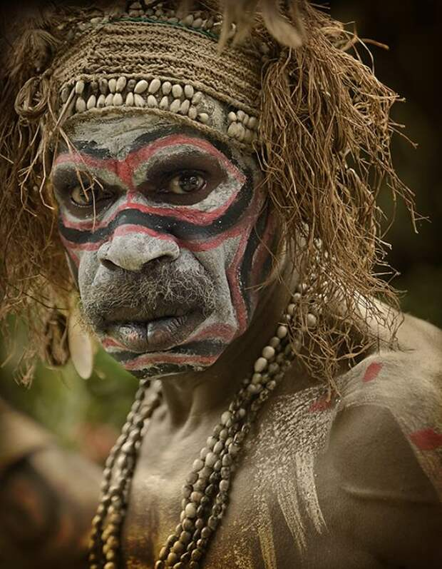 4 племени, которые до сих пор едят людей