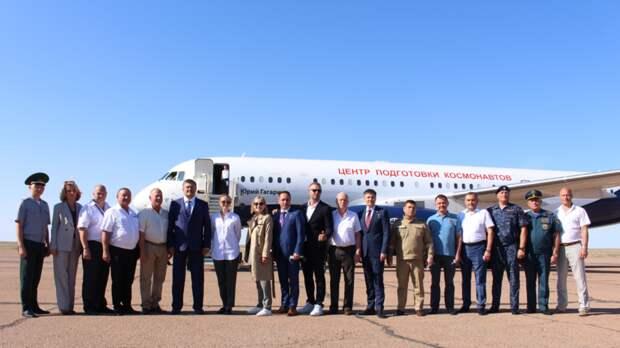 Экипажи «Союза МС-19» прибыли на Байконур