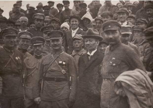 Фрунзе, Ворошилов и Буденный. 1920-е годы.
