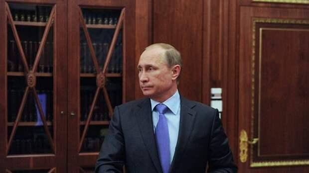 Путин присвоил звания Героев России четырем погибшим подводникам
