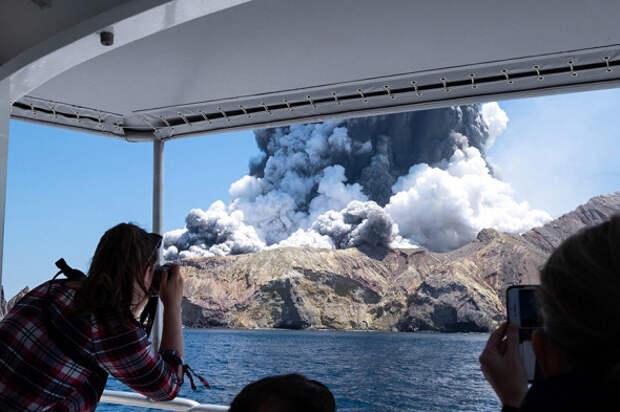 6 впечатляющих фото извержения вулкана в Новой Зеландии