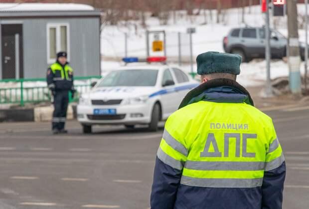 На Трифоновской столкнулись внедорожник и такси