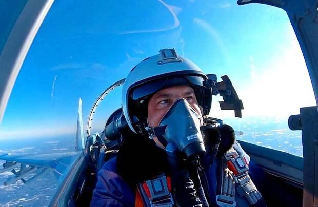 Российский истребитель Су-35 перехватил американский P-8A над Средиземным морем