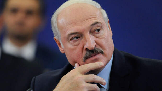 Лукашенко рассказал, что передавал Порошенко предложения Путина по Донбассу