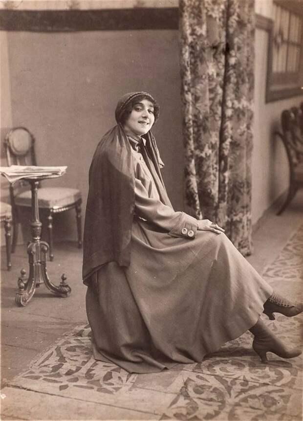 Поэтому Каралли сразу получила «Лебединое озеро» и 6 сентября 1907 года дебютировала в сложнейшей партии Одетты-Одиллии.