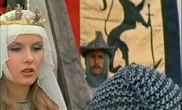 Тамара Акулова в образе леди Ровены.