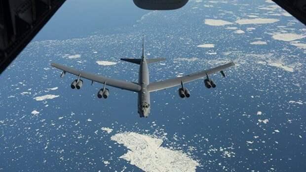 Три ядерных бомбардировщика США пролетели в 37 км от Крыма