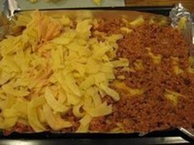 Запеканка из картофеля и фарша.