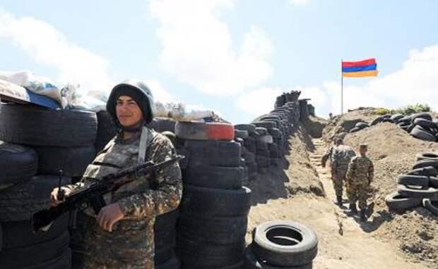 На фото: позиции вооруженных сил Армении на линии соприкосновения вдоль государственной границы с Азербайджаном.