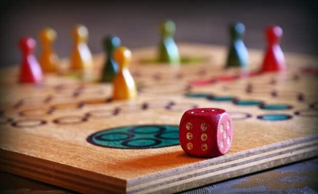 Играть, Настольная Игра, Куб, Человек-Не Сердитесь