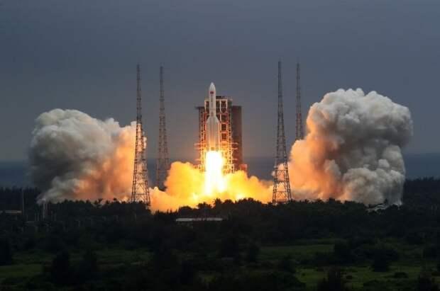 Китай запустил на орбиту базовый модуль национальной космической станции