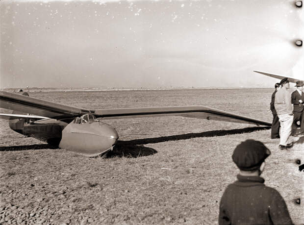 Minimoa Glider in Japan, 1930s