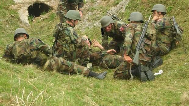 Два военнослужащих погибли после нападения на турецкий броневик в Сирии