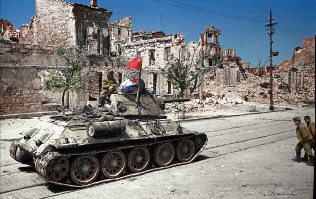Раскрашенные снимки Великой Отечественной войны