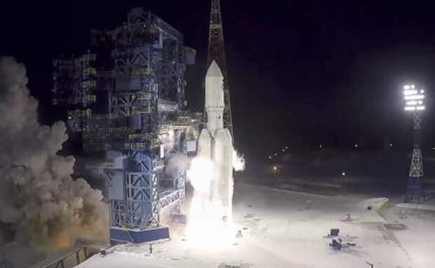 """На фото: второй испытательный пуск тяжелой ракеты-носителя """"Ангара-А5"""" с габаритно-массовым макетом полезной нагрузки на космодроме Плесецк"""