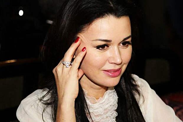Актриса Калашникова рассказала об изменении внешности Заворотнюк