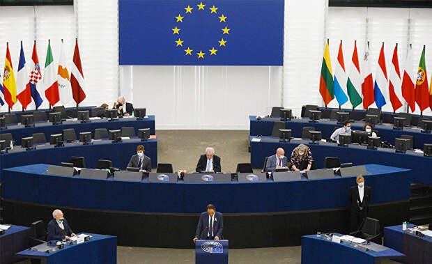 European Parliament (Франция): Евродепутаты призывают к новой стратегии по демократизации России