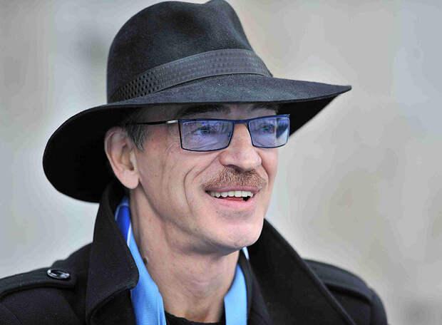 «Дзюба, Азмун в порядке, играем дома, есть хороший шанс уйти на 6 очков в отрыв от «Спартака», или как минимум не проиграть», - Михаил Боярский