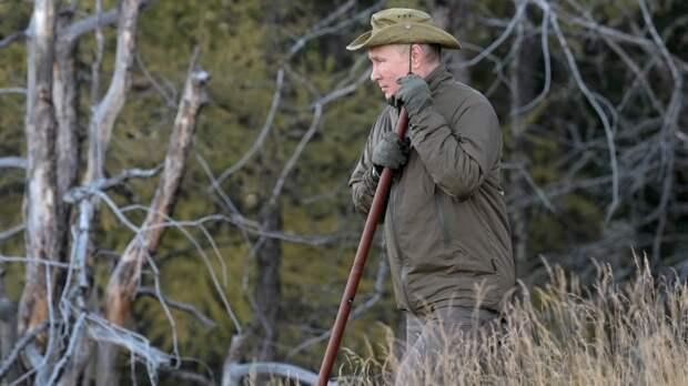 Фото с отдыха Владимира Путина в сибирской тайге покорило Сеть