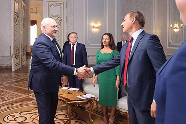 Лукашенко заявил о «сенсационной» части перехваченных переговоров о Навальном