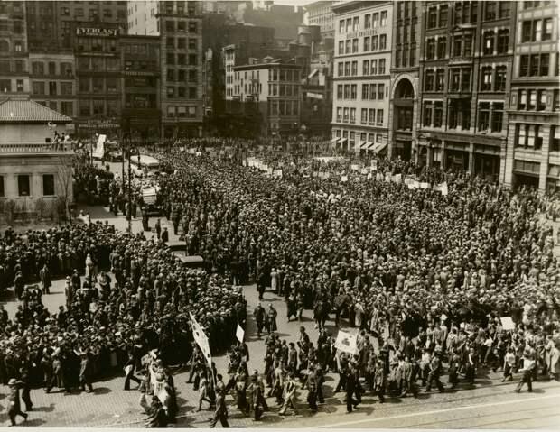 1934. Юнион-сквер становится «черно-красным», Нью-Йорк