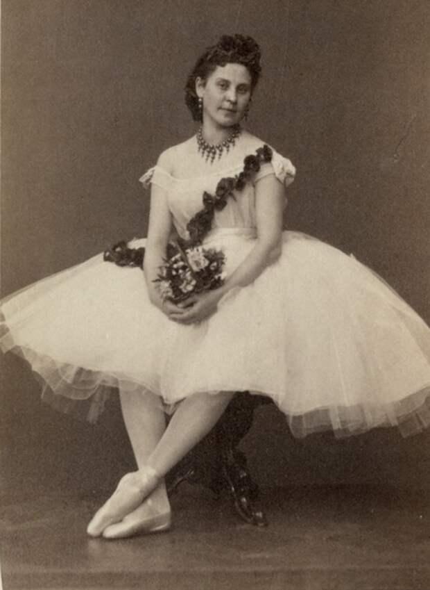 российская балерина Любовь Петровна Радина. фото