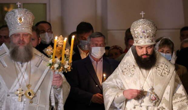 Сотни ростовчан приняли участие вПасхальном богослужении
