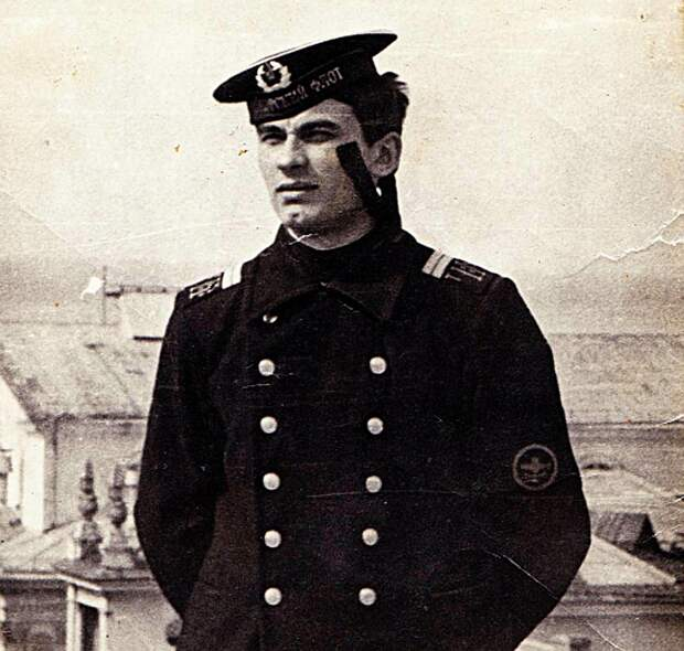 Во время службы в рядах ВМФ Советского союза. ФОТО Официальный сайт