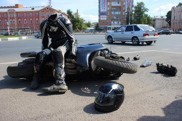 """От """"коробочника"""" мотоциклисту. Ты не переживешь этот сезон"""