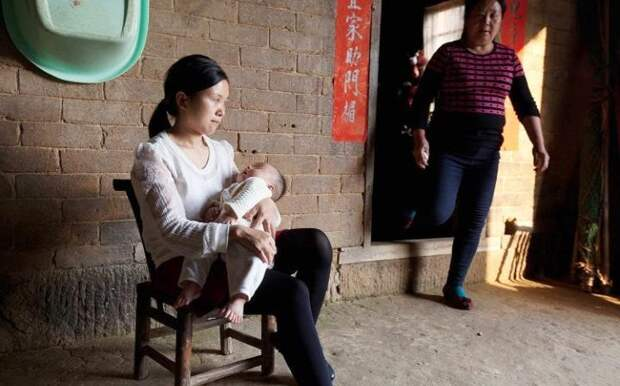 У трехмесячного китайского мальчика 15 пальцев на руках и 16 на ногах