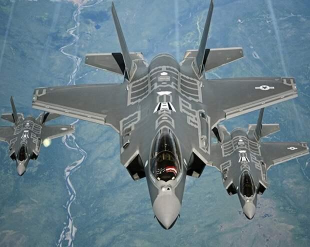 F-22 может победить 10 российских Су-35 – американский пилот