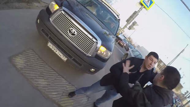 Активисты «СтопХам» устроили разборку на видео с сотрудником Следственного комитета