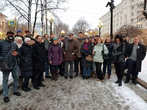 Шествие Соловья-Гапона в Москве поддержало пару десятков фриков