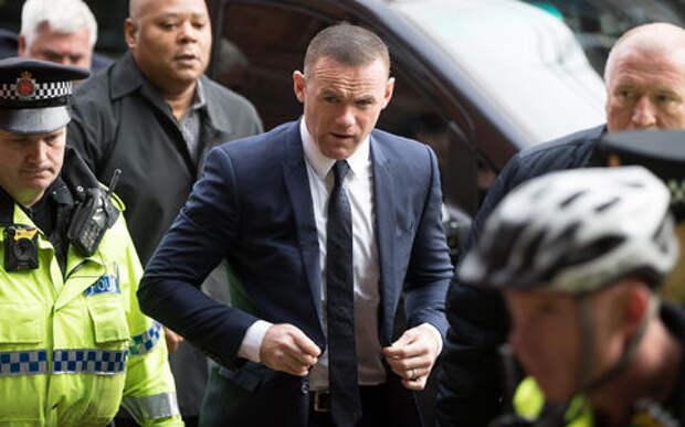 Уэйн Руни, пойманный пьяным за рулем с любовницей, на 2 года лишен прав
