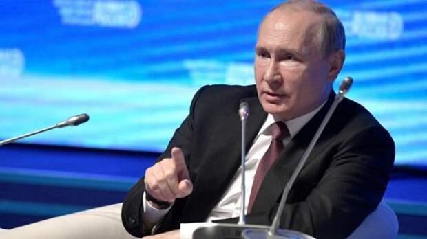 «Гром среди ясного неба»: британская пресса увидела скрытый смысл в новом послании Путина