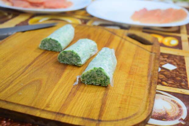 Зеленое масло нарезаем на то кол-во котлет которое будем готовить видео, еда, котлета по киевски, своими руками, сыктывкар, юмор