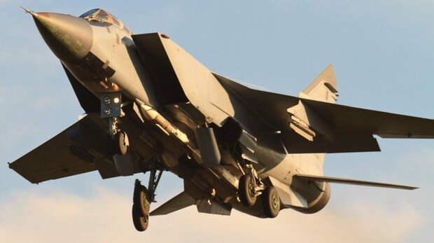 Истребитель МиГ-31 предотвратил нарушение госграницы России самолетом ВВС Норвегии