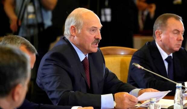 Предложение Лукашенко отдать часть полномочий высмеяли: Люди не дураки