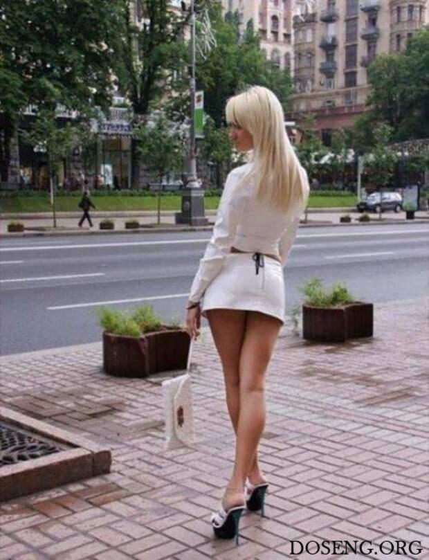 Наши девушки в коротких юбках