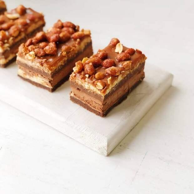 Ирландский пирог. Орехи, карамель и сливочный ликёр- делают лакомство неповторимым 2