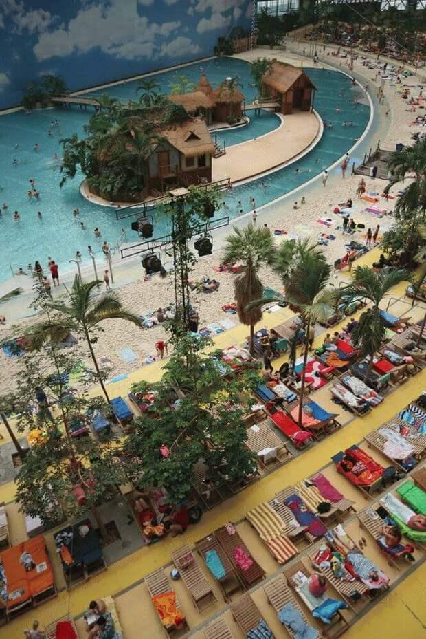 Тропический рай на 6 000 человек в ангаре для дирижабля