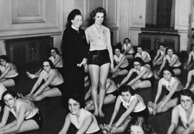 Дети, кухня, огород – три основных постулата школ, в которых готовили будущих жен для нацистов